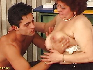 Plumper mother insane porked by her toyboy