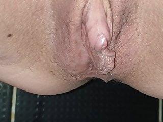 Mia pissing