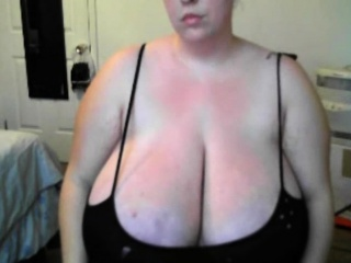 Mature honies giant breasts wiggling
