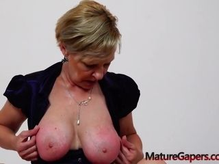 Czech granny is getting her trimmed pussy stuffed with a hard dick, in front of the camera