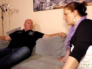 Tante Gerda hat Besuch vom fremden Mann