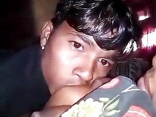 Ma ne bete ko sex krna shikha rahi hai pati Pradesh me rahta