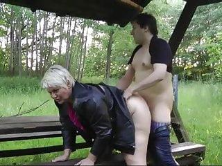 Hefty boobies fucky-fucky on woods bench