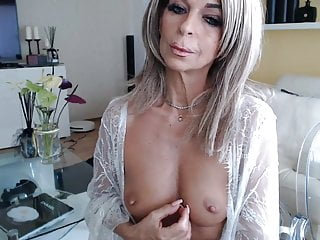 Sexy grandma in sex chat