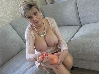 Aunt-In-Law Gives A Lesson In Advanced Fapping
