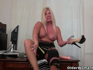Office cougar Blake from the US faux-cocks her poundable snatch
