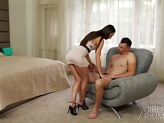 Gorgeous brunette with long hair rims dude and gets fucked
