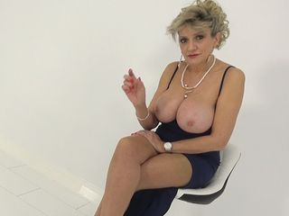 Cougar Taunting The Wanker