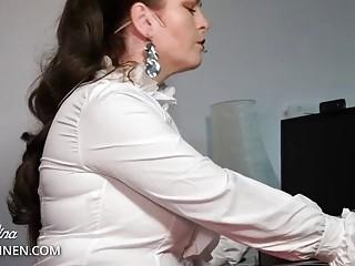 Office Mistress: Look down, my horny nylon office slave!